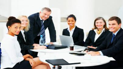 Profissionais engajados, mais produtivos e felizes.
